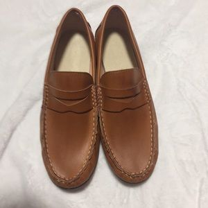 NWOT Women's brown loafers size 40 but size 10 USA
